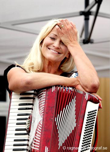 Tina Ahlin och Orsa Spelmän på Skr